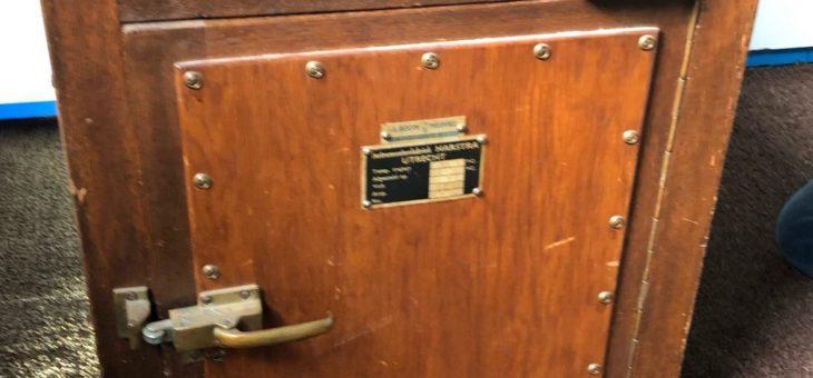 Bijlmer Bajes Asbest stoofje in Asbestmuseum